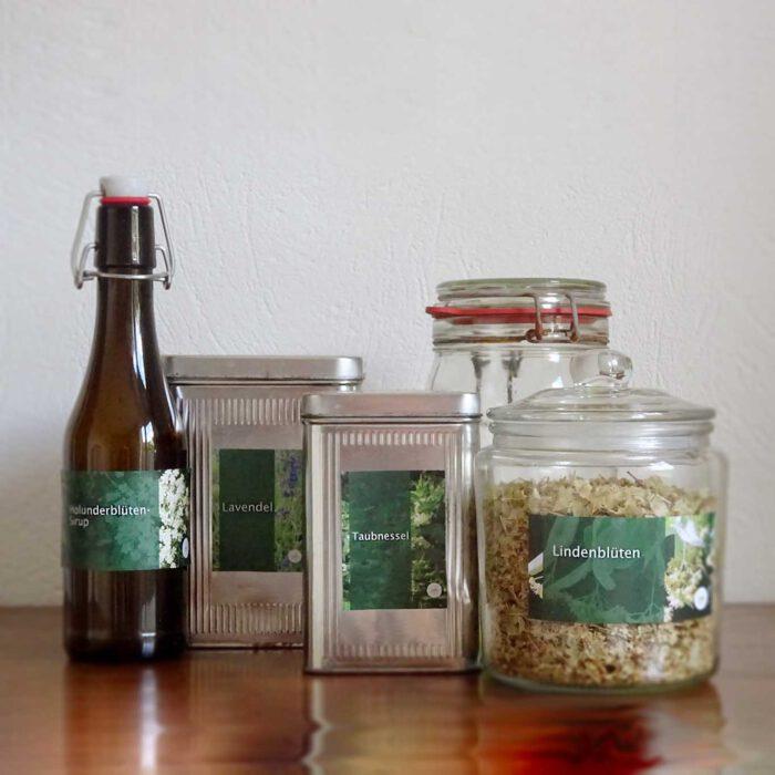 Die richtige Aufbewahrung und Lagerung von Heilkräutern und Produkten erhält die Heilkraft der gesammelten Pflanzenteile.