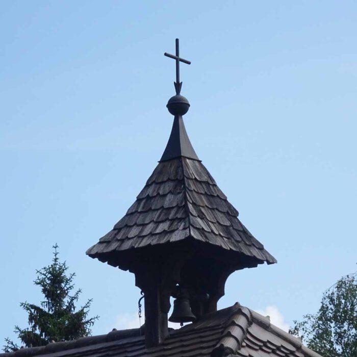 Der Glockenturm des Klosters Gut Aich.