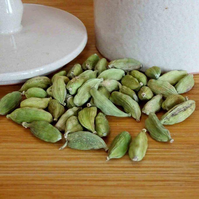 Ein Verwandter des Ingwers ist der Kardamom. Die Früchte sind ein beliebtes Gewürz der orientalischen Küche.