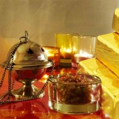 Gold, Weihrauch und Myrrhe waren die Geschenke der drei Weisen aus dem Morgenland an das Jesuskind.