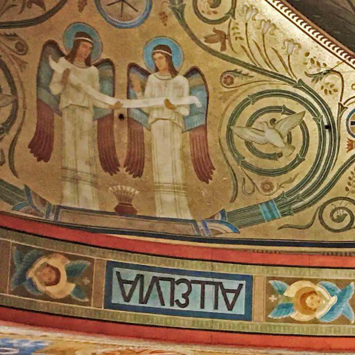 Deckenmosaik in der Stiftskirche St. Hildegard Eibingen.