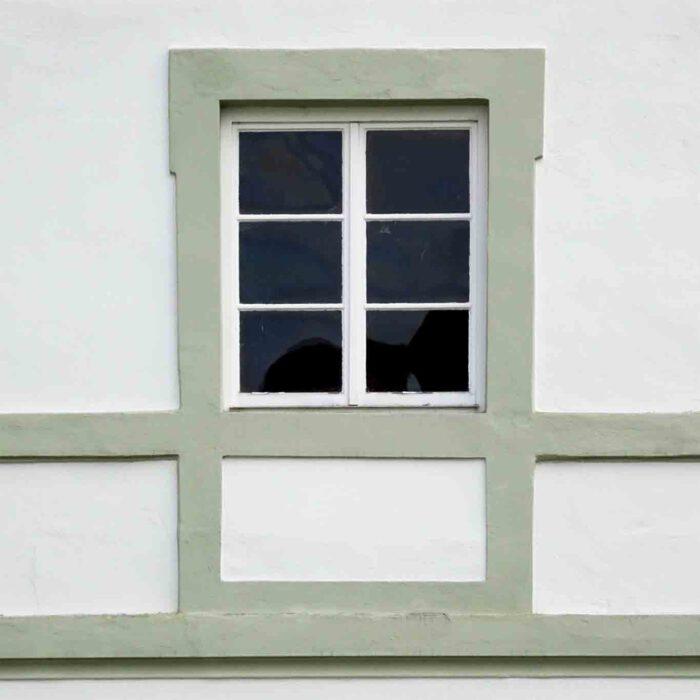 Ein leerer Fensterrahmen bedeutet nicht, dass dahinter nichts ist.