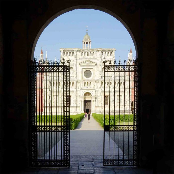 Die weltberühmte Fassade der Klosterkirche erinnert an eine Hochzeitstorte.