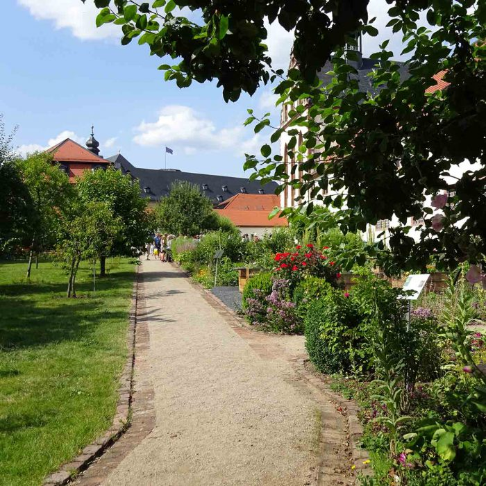 Ein Kloster mitten in der Fuldaer Altstadt mit einem erquicklichen Garten.