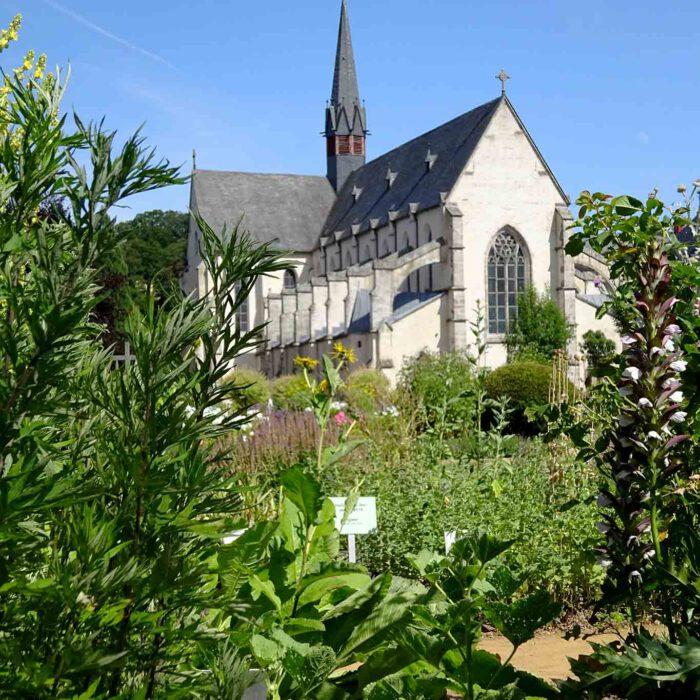 Im Herzen des Westerwaldes befindet sich die Zisterzienserabtei Marienstatt mit wunderschönen Gärten.