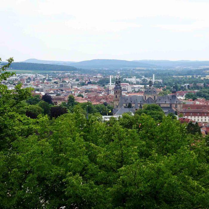 Blick auf die Bischofsstadt Fulda vom Frauenberg.